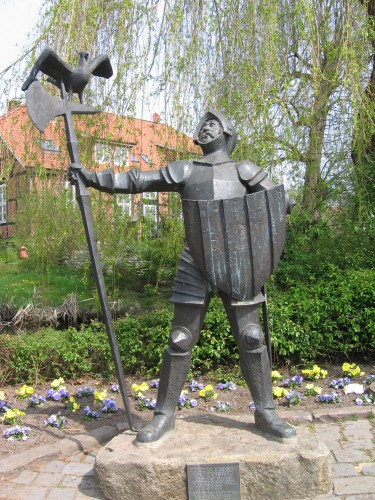 Statue Isern Hinnerks in Horneburg. Foto: Rudolph H. Lizenz: CC BY-SA 2.0. Quelle: Wikimedia Commons.